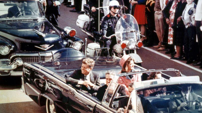 Le 22 novembre 1963, quelques secondes avantl'assassinat deJohnFitzgerald Kennedy à Dallas.