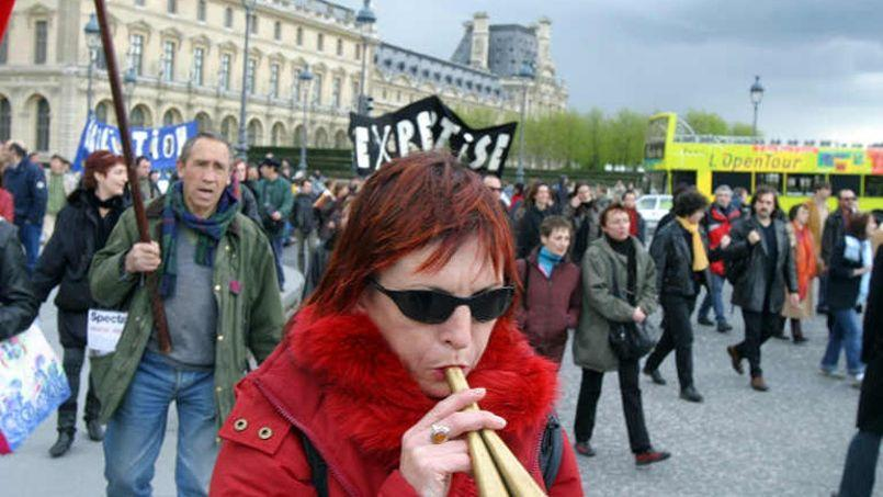 Manifestation des intermittents du spectacle, après la réforme de leur régime d'indemnisation, en 2004. Crédit photo: Le Figaro.