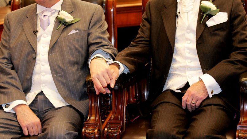 Un rapport rédigé par quatre évêques préconise que les prêtres soient «libres» de célébrer des unions homosexuelles.