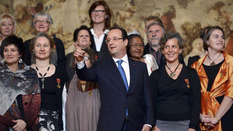 François Hollande et Dominique Bertinotti lors des remises des médailles de la Famille, le 30 novembre à Paris.