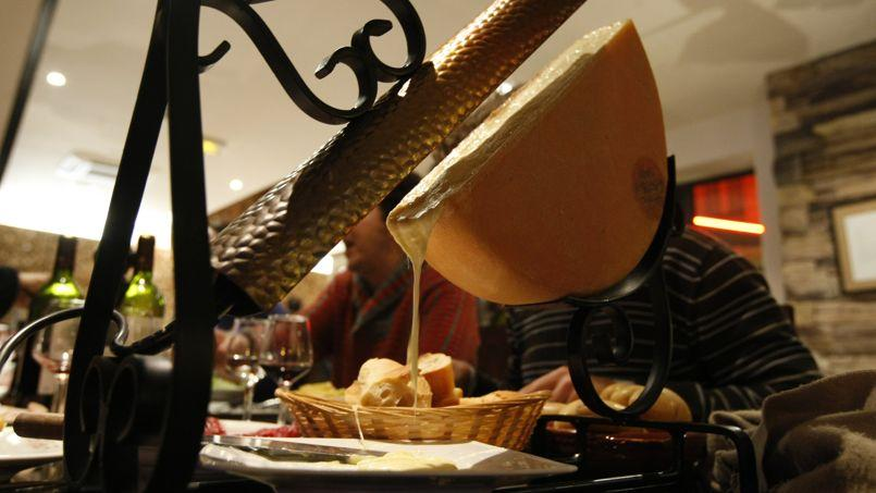 Raclette au lait crue au Chalet savoyard (XIe).