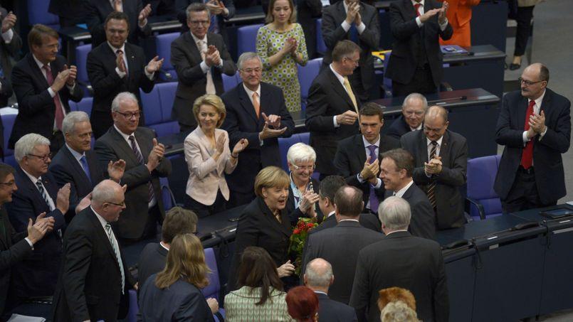 La chancelière Angela Merkel (CDU), applaudie lors de sa réélection mardi matin.