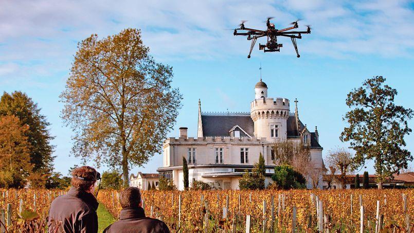 Le drone qui va survoler les vignobles de Bernard Magrez.