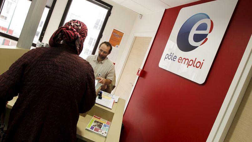 Le nombre de chômeurs de catégorie A représente près de 3,3 millions en France métropolitaine.