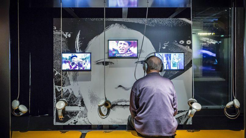 Sur 600 m2, l'exposition de La Villette propose vingt-cinq installations multimédia pour découvrir et expliquer les mystères de la voix.