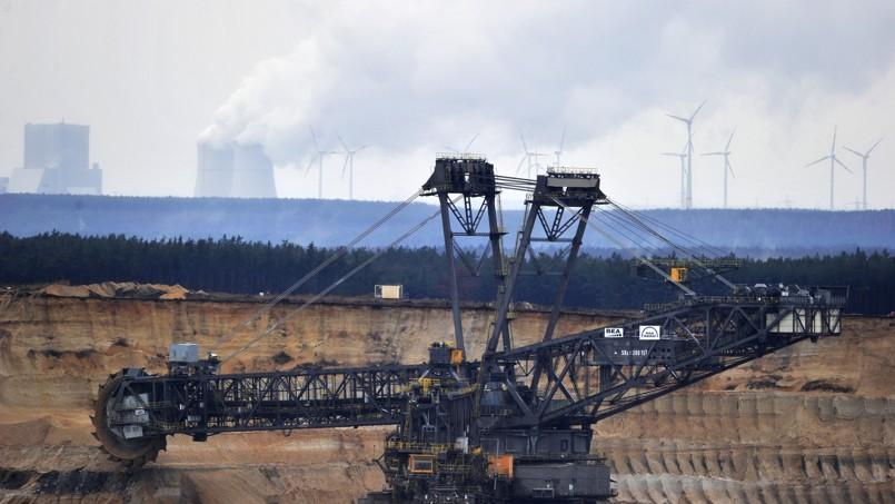 Mine à ciel ouvert de lignite à Nochten, près de la frontière orientale de l'Allemagne. Crédits photo: John MacDougall/AFP