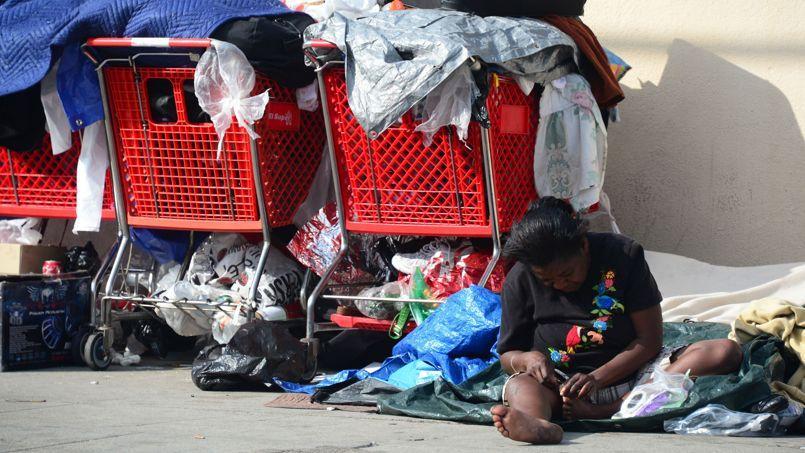 Près de la moitié des richesses mondiales est entre les mains des 1 % les plus riches, tandis que 99 % de la population mondiale se partagent l'autre moitié, selon l'ONG Oxfam.