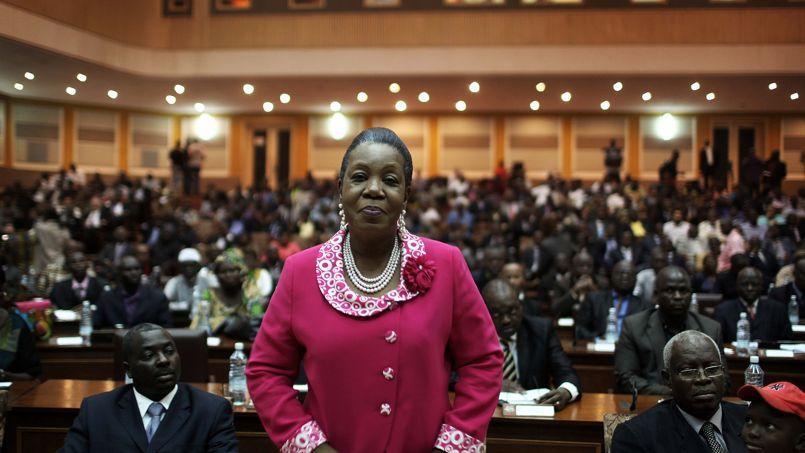 Catherine Samba-Panza, maire de Bangui, a été élue lundi présidente de transition par le parlement centrafricain.