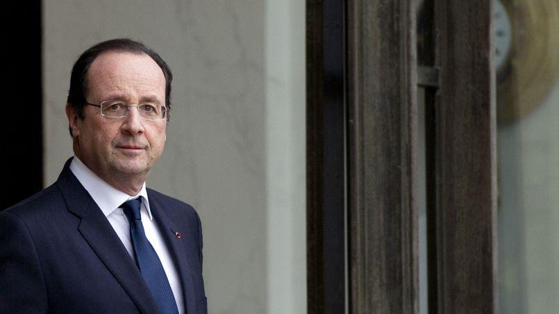 Hollande lance la baisse des dépenses publiques