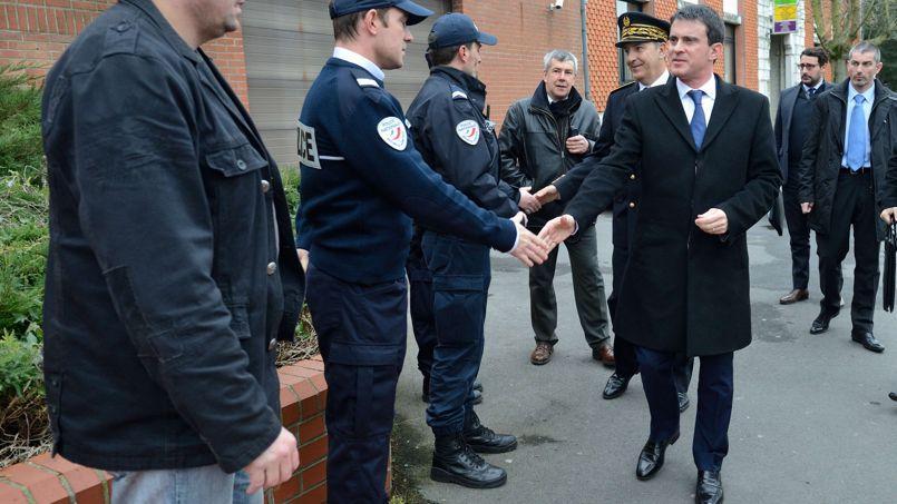 Hénin-Beaumont: le FN fustige la visite de Manuel Valls