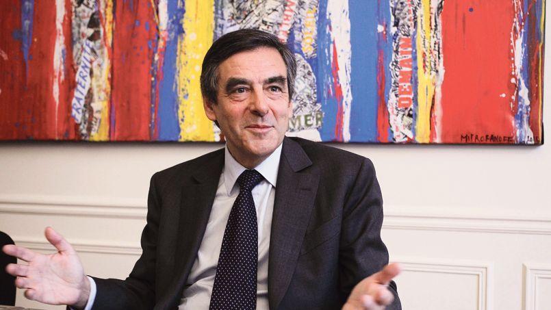 «La seule façon de forcer François Hollande à changer de politique est d'infliger une sévère défaite à la gauche aux municipales», estime François Fillon
