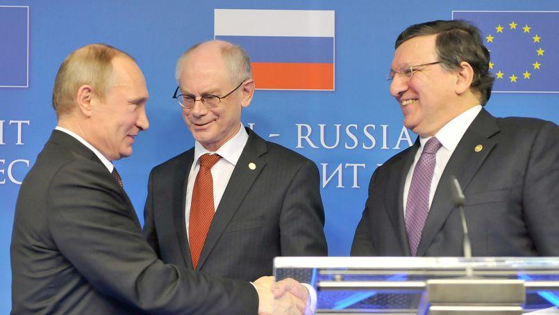 Vladimir Poutine, Herman Van Rompuy et Jose Manuel Barroso, mardi à Bruxelles.