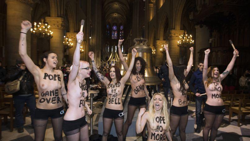 Dégradations à Notre-Dame par les Femen le 12 février 2013.