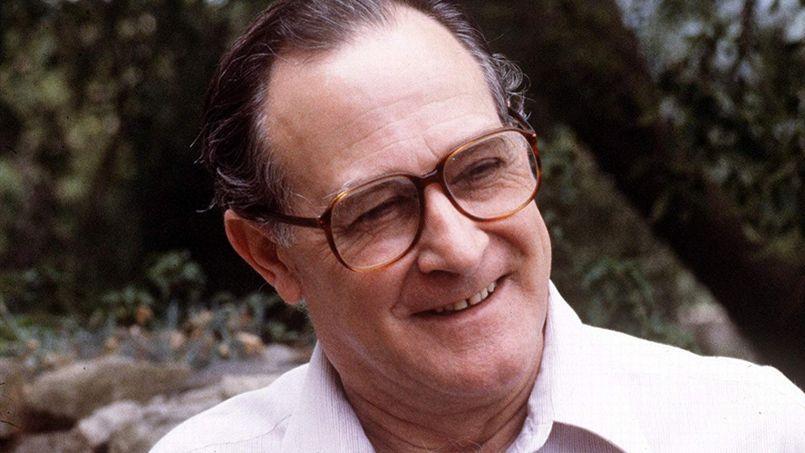 Robert Descharnes collaborateur de Dalí pendant 40 ans, est mort samedi 15 février à l'âge de 88 ans.