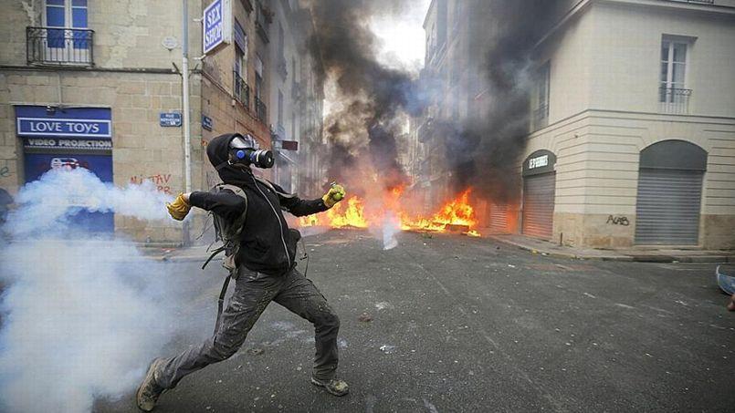 Centre-ville de Nantes, le 22 février 2014 en marge de la manifestation contre le projet d'aéroport de Notre-Dame-des-Landes.