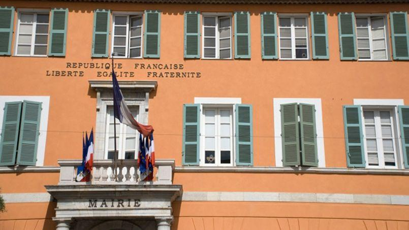 Facade de la Mairie de Fréjus.