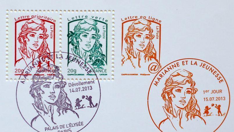 Les deux dessinateurs David Kawena et Olivier Ciappa se disputent la paternité du timbre révélé en juillet 2013.