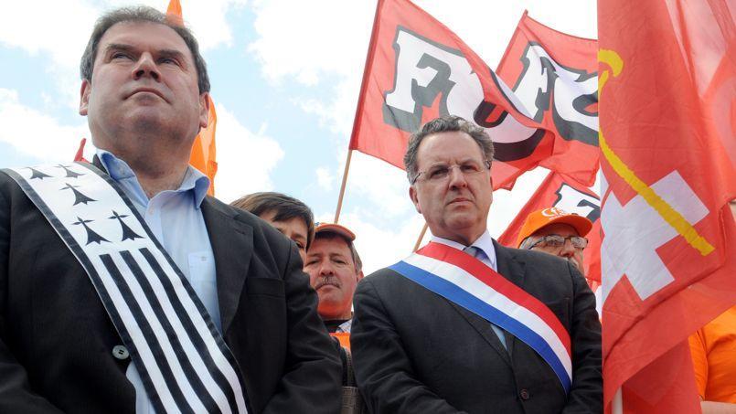 Richard Ferrand aux côté de Christain Troadec, maire de Carhaix.