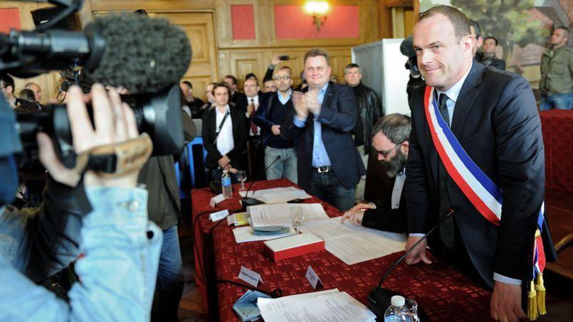 Steeve Briois, dimanche, lors du Conseil municipal d'Hénin-Beaumont.