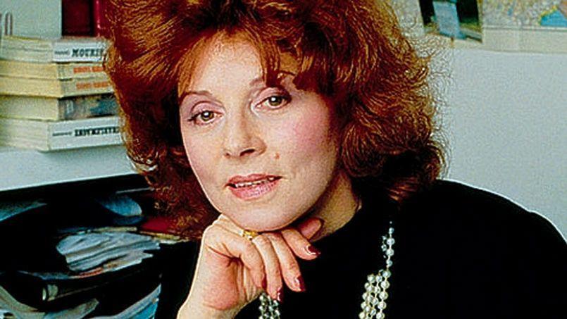 Régine Deforges a écrit La Biclycette bleue, son œuvre maîtresse entre 1983 et 2007. Elle s'est éteinte à l'âge de 78 ans des suites d'une crise cardiaque.
