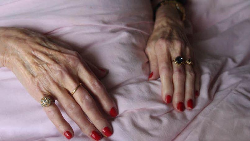 Une place en maison de retraite médicalisée coûte 2.892 euros par mois