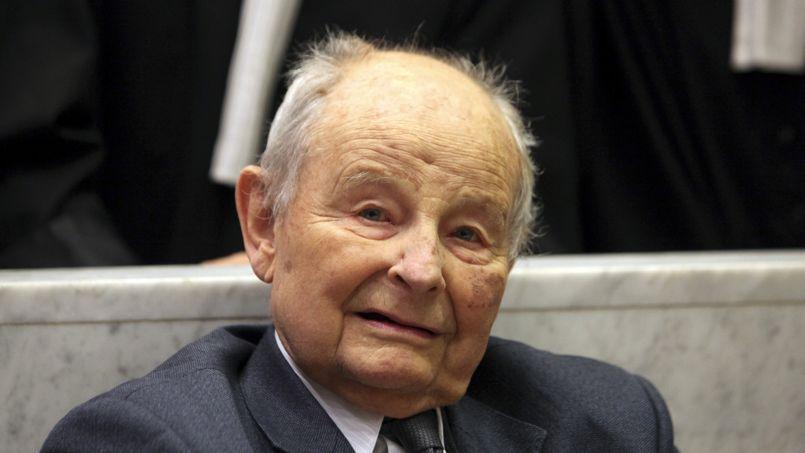 En 1980, Jacques Servier (ici le 21 mai 2013) qui détenait 100% du capital de son labo, avait cédé ses parts à une fondation.