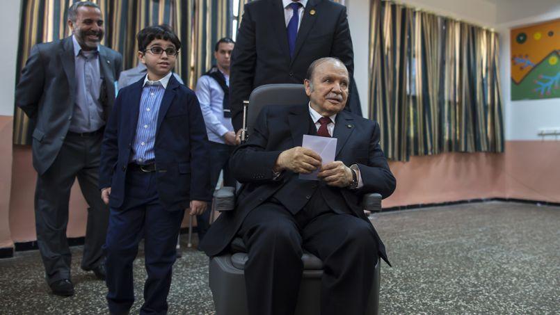 Abdelaziz Bouteflika a voté, jeudi matin, à Alger. Il devrait être réélu sans problème pour un quatrième mandat, malgré d'importants problèmes de santé.