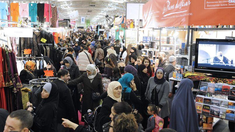 Des musulmans venus en grand nombre assister au congrès annuel de l'UOIF, vendredi au Bourget.