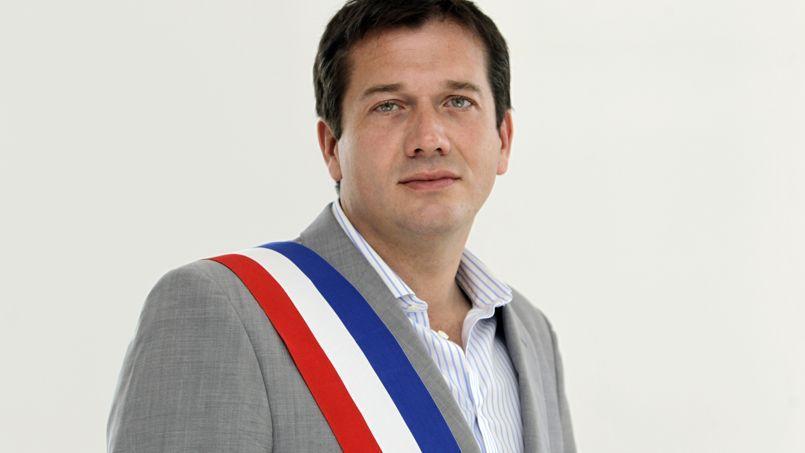 Marc-Etienne Lansade, maire FN de Cogolin (Var) a décidé de s'octroyer 1250 euros mensuels pour ses frais de représentation.