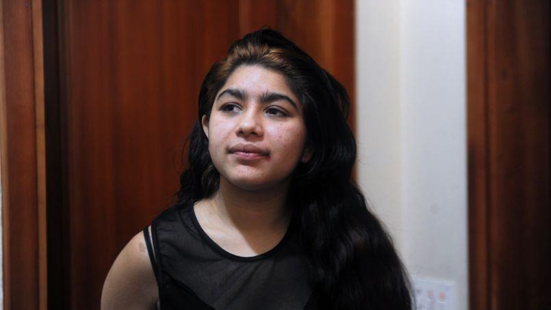 La famille de Leonarda demande l'annulation du refus de titre de séjour, portant obligation de quitter le territoire français (OQTF), et sollicite un titre de séjour «vie privée et familiale».