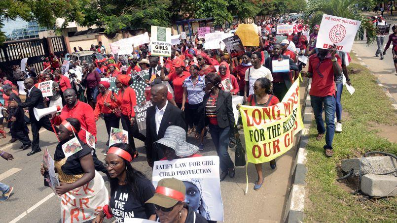 Un rassemblement a eu lieu à Lagos le 5 mai pour soutenir les centaines de jeunes filles enlevées par le groupe radical de Boko Haram.