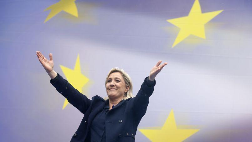 La présidente du FN, Marine Le Pen, lors de son traditionnel rassemblement du 1er mai à Paris.