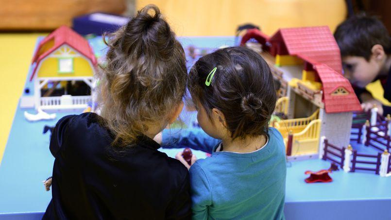Les spécialistes de l'enfance demandent que soit gravée dans la loi «l'interdiction d'ordonner une résidence alternée pour un enfant âgé de moins de six ans.»