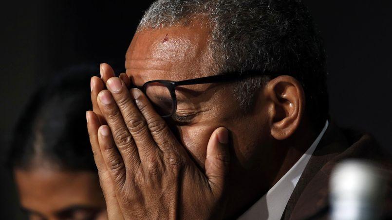 Le réalisateur de Timbuktu, Abderrahmane Sissako, n'a pu retenir ses larmes devant les journalistes.