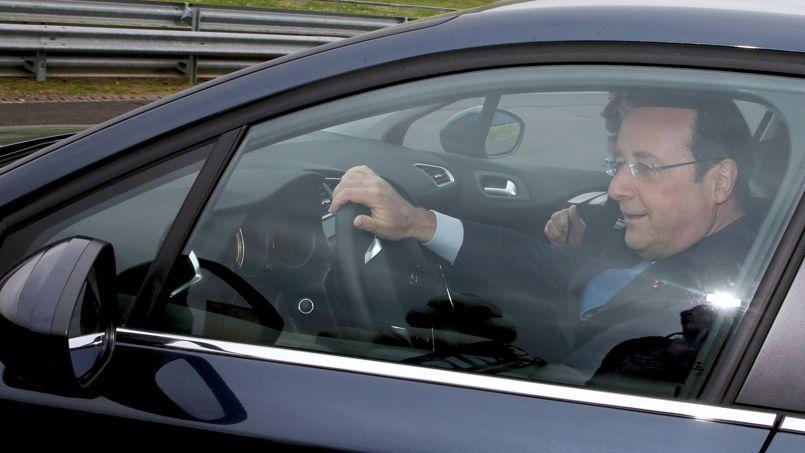 Hollande fera 10 heures de voiture pour voter aux européennes