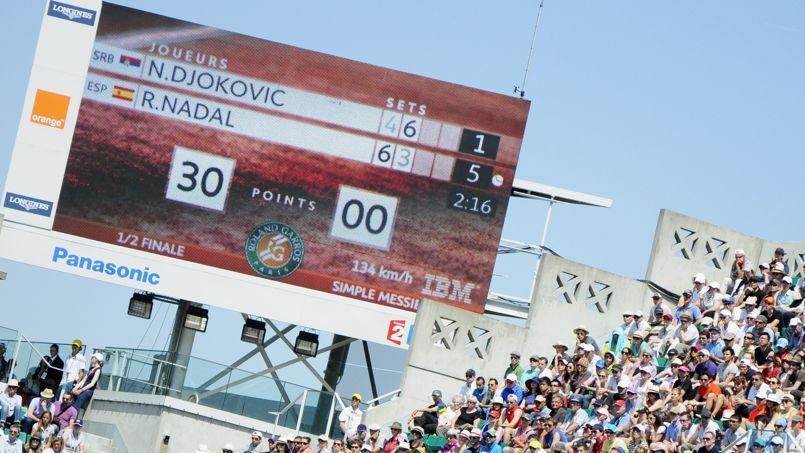 Le tableau d'affichage sur le court central de Roland-Garros