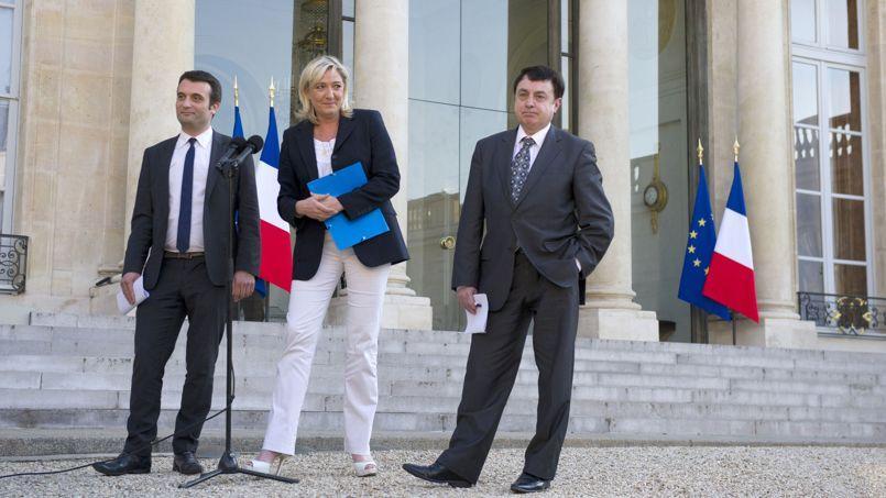 De gauche à droite, Florian Philippot, Marine le Pen et Jean-François Jalkh, le 16 mai à l'Élysée.