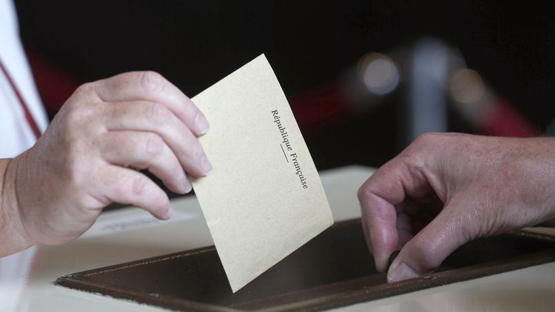 Européennes : près de 550.000 électeurs ont voté blanc
