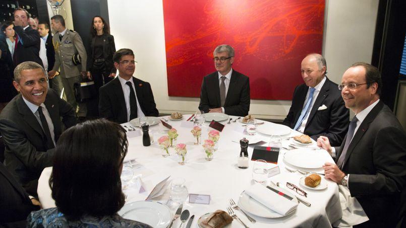 Barack Obama et François Hollande se sont retrouvés jeudi au Chiberta, un restaurant de Guy Savoy situé avenue des Champs-Élysées.