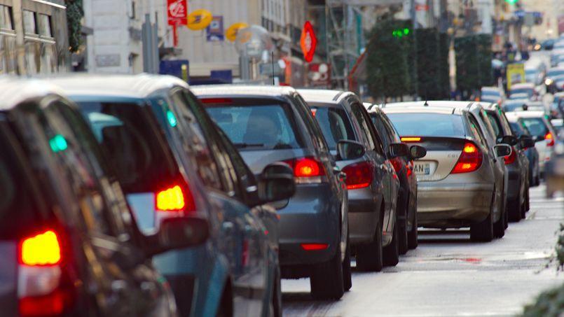 Paris et Marseille se partagent la tête du classement des villes les plus embouteillées de France.