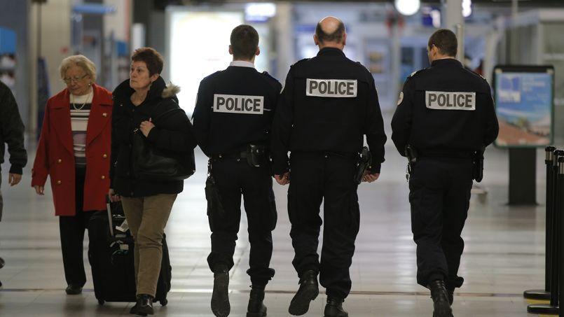 Un décret de 2010 n'autorise pas les remboursements à 100% des passes Navigo aux fonctionnaires franciliens.