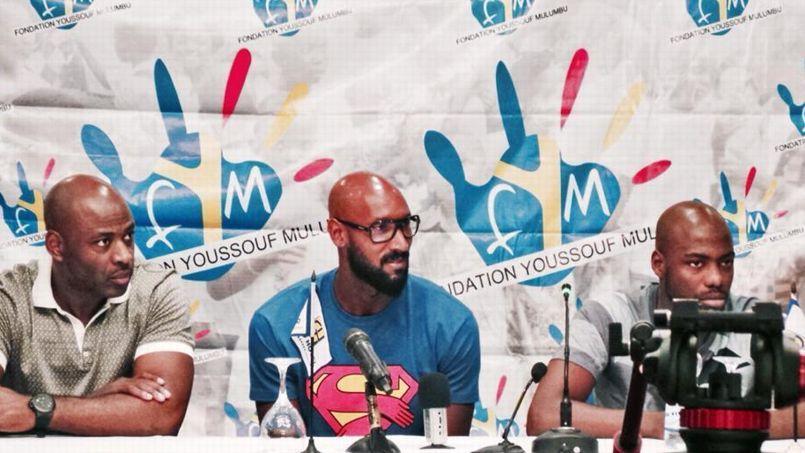 Nicolas Anelka et son t-shirt détourné Superman à Kinshasa jeudi.