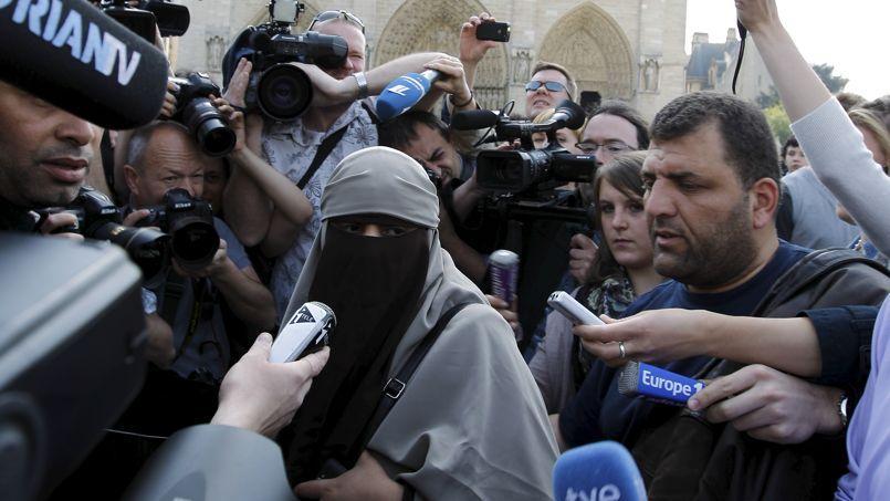 Manifestation à Paris en 2010 au moment du vote de la loi sur la burqa intégrale.