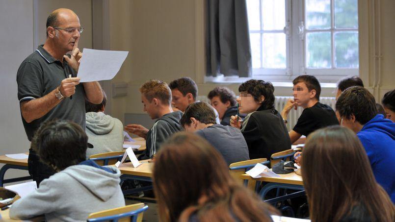 Alors que les deux tiers des Français se disent prêts à encourager leur enfant s'il souhaite devenir enseignant, chez les professeurs, une majorité déclare le contraire, souligne SOS Éducation.