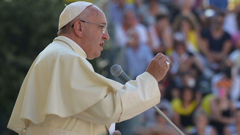 le pape François samedi, à Isernia, en Italie.