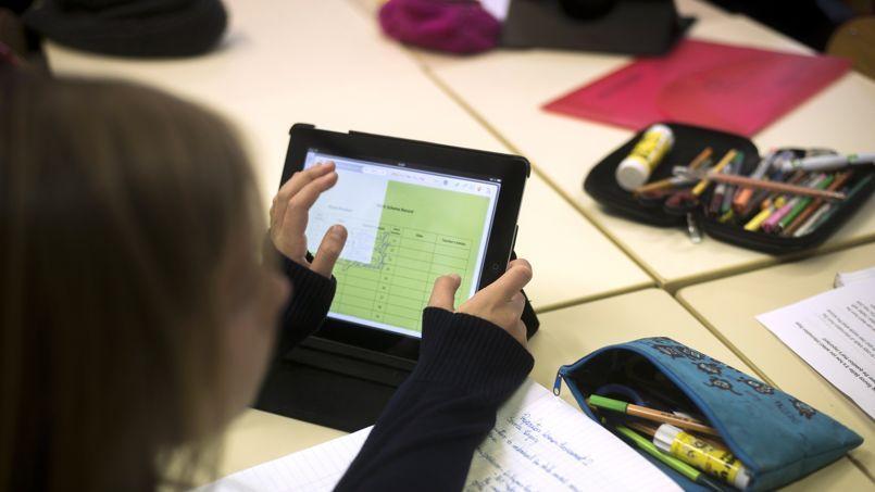 L'enseignement du langage informatique sera proposé en primaire dès la rentrée de manière facultative, a annoncé dimanche Benoît Hamon.