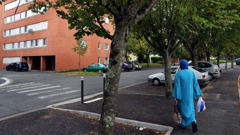 Le quartier de Cantepau à Albi (Tarn) dans lequel une cellule djihadiste présumée a été démantelée mardi matin.