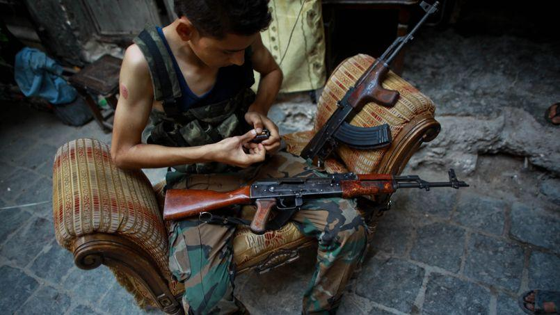 Un soldat du Front islamique à Alep, le 21 juillet.