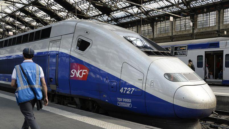 La SNCF a présenté trois scénarios sur dix ans pour tenter d'éradiquer la baisse de rentabilité du TGV.