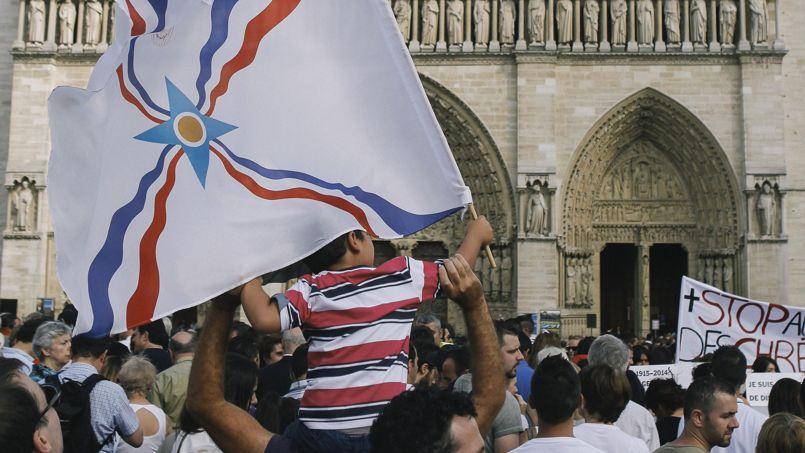 Dimanche, sur le parvis de la cathédrale Notre-Dame de Paris.